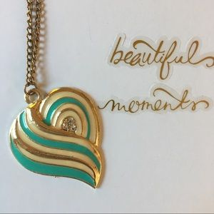 Jewelry - Heart accent necklace